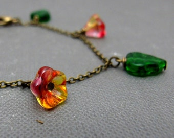 """Flower and Leaves Garden Bracelet // Red and Yellow Czech Glassbeads Buttercups // Green Leaves // Brass Chain 7"""" // Gift under 25"""
