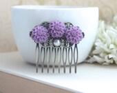 Lilac Purple, Lavender Purple Mum Flower, Pearl Antiqued Brass Hair Comb. Bridesmaid Gift. Lilac Hair Comb. Fall Rustic Purple Wedding. Sis