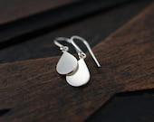 Simple droplet dangle silver earrings