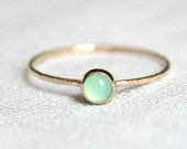 SOLID 14k Gold Vivid Orb Ring - Simple and Tiny SOLID Gold Dainty Chrysoprase Stack Ring with Hammered Band - Delicate Jewelry
