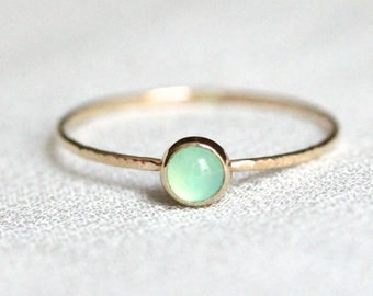 Tiny Vivid Green Chrysoprase Ring in Solid 14k Gold - Simple and Tiny Solid 14k Yellow Gold Dainty Chrysoprase Stack Ring with Hammered Band