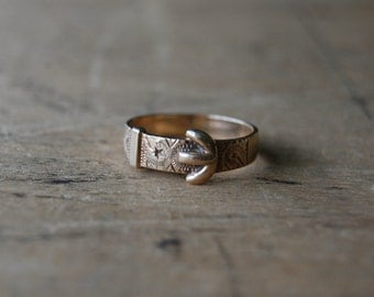 Vintage Victorian style 9 ct gold buckle ring ∙ Gold English buckle ring