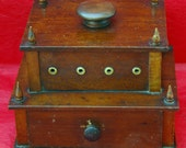 Antique SHAKER SEWING BOX Ca 1800s Antique PrimItive W/ Two Tiers Great Small Size, One Drawer, holds 8 Spools, Original Knob