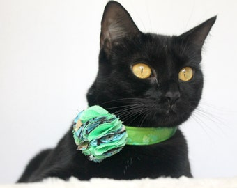 Green Flower Collar with Fabric Flower