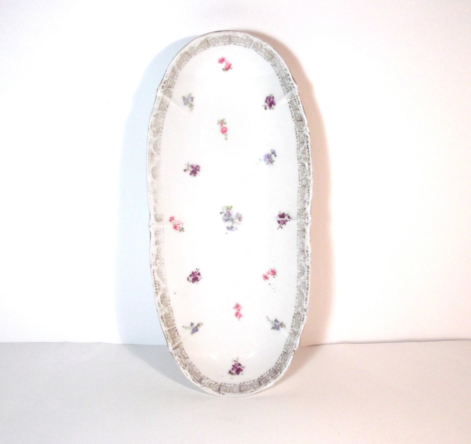 klm germany small pastel flowers rounded oval serving. Black Bedroom Furniture Sets. Home Design Ideas
