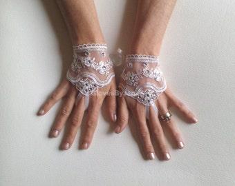 Very elegant Ivory Wedding gloves  rhinestone free ship bridal gloves  fingerless lace  gloves beaded rhinestone