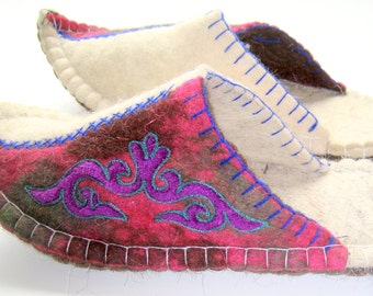 Felted slippers(9)