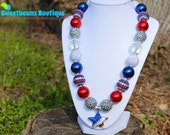 FOURTH OF JULY Beaded Necklace, Bubblegum Necklace with Rhinestone Star Pendant, Red, White, & Blue, Patriotic Chunky Necklace,  Photo Prop