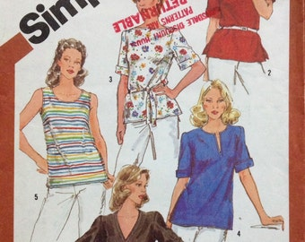 Simplicity 5386 UNCUT Womens Pullover Tops