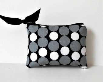 Coin Purse, fabric Change purse, Business card holder, card wallet, zipper coin purse, little coin pouch, black and white dots, red lining