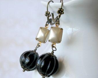 Black Dangle Brass Earrings - Delia