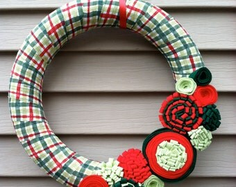 Christmas Wreath,  Christmas Plaid Wreath, Felt Flower Wreath, Holiday Wreath,  Christmas Felt Wreath, Primitive Wreath, Felt Wreath, Plaid
