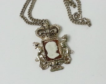 SALE!!! . vintage cameo . crest CORO pendant and chain . necklace
