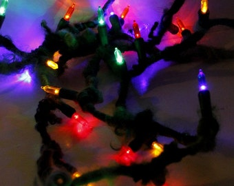 Handspun Garland Art Yarn- Halls Decked- Holiday Jazztutle TextureSpun Artisan Christmas Lights Yarn