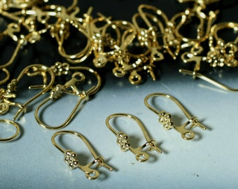 Earwire, gold-plated brass, 23mm kidney with 4x4mm flower and closed loop, 20 gauge, 16 pcs (item ID F8528FD)