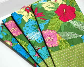 Antibes Tropical Cloth Napkin Set / reversible eco friendly napkins / lime green napkins / exotic hibiscus flower beach house / resort style