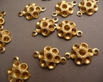 12 Rhinestone Flower Settings Charms Connectors - Raw Brass