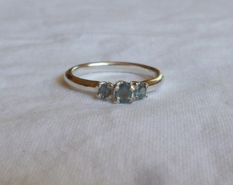 approximately .90 ct oval cut 3 stone natural earth mined Alexanderite sterling silver ring size 6.5