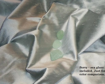 100 o/o dupioni Silk Fabric FQ SEA Glass GREEN amazin color perfect for doll clothes Fiber Arts fabric collage Crazy Quilting beautiful silk