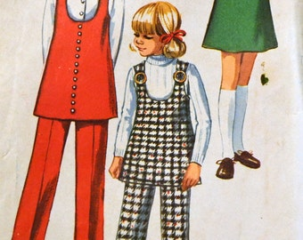 Vintage Sewing Pattern Simplicity 8946 Girl's Jiffy Tunic Or Jumper Size 8 Breast 27 inches Complete