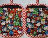 Thick Heat Resistant Peanuts Charlie Brown and Snoopy Holiday Potholder set