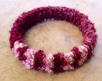 Boucle Bangle in Burgundy and Pink