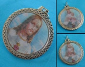 Vintage Jesus and Saint Mary Holographic Pendant or Medallion, Made in Italy, Optical Illusion Pendant for Jewelry, Religious Medallion