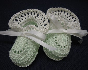 Baby Booties Crochet Baby shoes Mint Green and White Newborn Baby Girl Crochet Booties