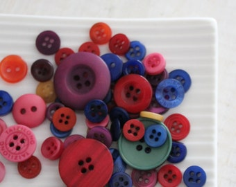 Rainbow Button Collection x 20 pieces