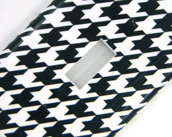 Houndstooth Light Switch Cover Switchplate -- Black and White