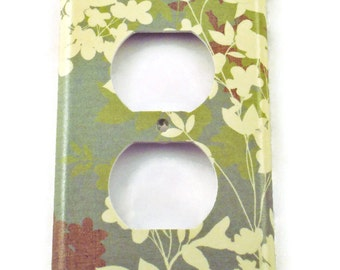 Light Switch Plate Outlet  Wall Decor Single Light Switchplate in  Whisper  (130O)