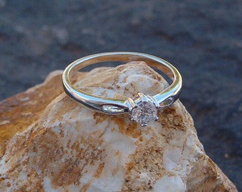 Ring, Vintage Silver Engagement CZ Solitare Ring