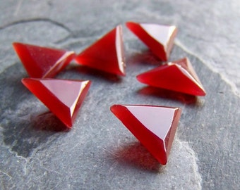 Vintage Cabochon-Vintage Carnelian Orange Red Triangle Glass 14mm Cabochon Stones-6 Stones