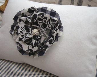 FrenCH White Pillow BLacK and White CoTTaGe Flower ShaBBy CHiC 11x16 Insert