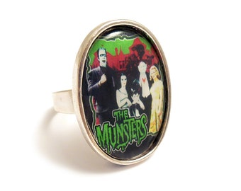 The MUNSTERS family TV ring quirky antique silver adjustable vampire horror werewolf gothic goth