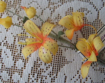 Vintage Millinery Czechoslovakia Flowers Fabric Tiger Lily Cluster For Hat Making Scrapbooking VF 055 OR