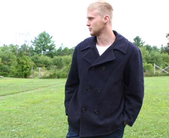vintage US Navy peacoat. Men size XL. Dark blue melton wool