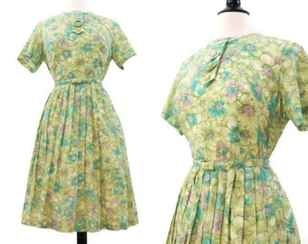 50s 60s Dress Vintage Floral Spring Day Dress M  L