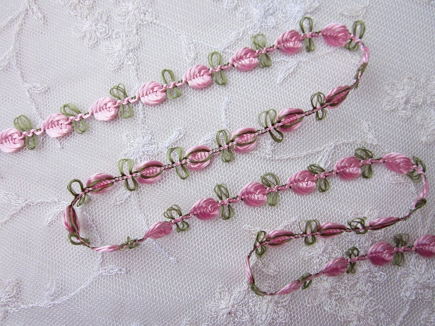 Embroidered rose bud pink flower ribbon trim w green leaves