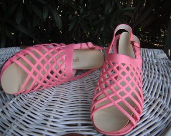 1970s PINK Chunky Platform Heels CHUNKY Sandals by Quality Craft size 7B