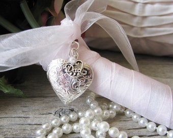 Dad Bridal Bouquet Locket,  Father of the Bride Locket, Bouquet locket, In memory of
