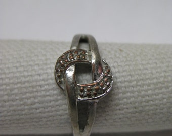 Shabby Knot Silver Stone Ring Size 7 1/2 Vintage