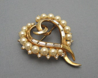Vintage Heart Brooch Trifari Jewelry Pearl P5946