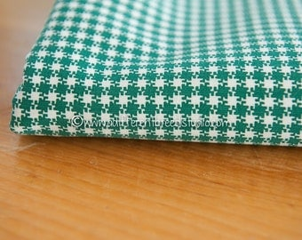 Classic Green Plaid- Vintage Fabric 36 in wide 50s Checked Quilting Holiday Christmas