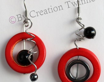 red and black spirals earrings, funky earrings,christmas gift idea,unique design, bridesmaids earrings, mother gift, asymmetrical earring