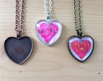 30pk... Heart Pendant Trays with Glass Tiles...Mix and Match colors... Size is 25mm...HRTT