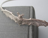 Bat Headband, Silver Bat Hair Accessories, Bat Hairbow, Halloween, Gothic Style,  Bat Wings, Vampire Headband, Unique Hair Jewelry