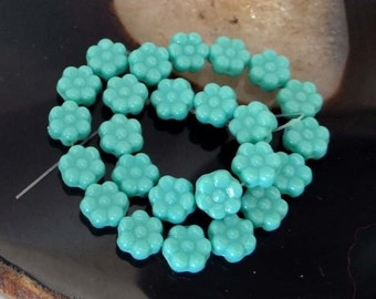 25 Czech Glass Daisy Flower Beads - Turquoise 8mm (C307)