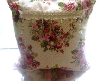 Decorative Envelope Style Pillow Shabby Chic Beading Victorian  Roses Beige Background Red Green Complete