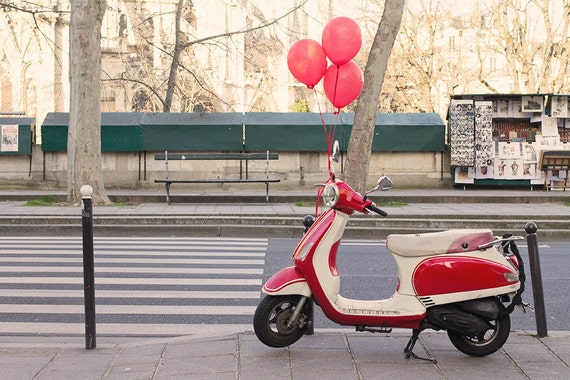 Items similar to red balloons in paris red vespa paris for Vespa decoration